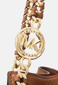 MICHAEL Michael Kors - MINA CHAIN TOTE - Handbag - brown - 4