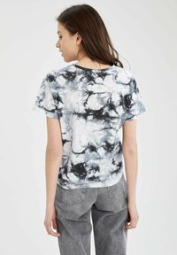 DeFacto - DISNEY STITCH - T-shirt con stampa - white/black - 2