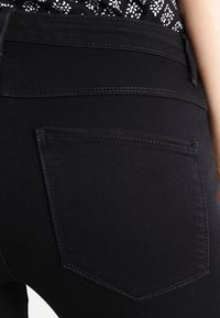 ONLY - ONLRAIN - Denim shorts - black - 5