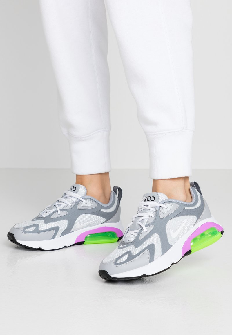 Nike Sportswear - AIR MAX 200 - Tenisky - pure platinum/white/cool grey/wolf grey/atomic purple/electric green