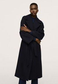 Mango - MANTEAU LAINE MAXI REVERS - Classic coat - bleu marine - 0