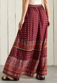 Superdry - AMIRA  - Pleated skirt - rust print - 1