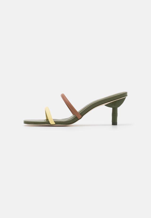 SOL  - Heeled mules - hazelnut/multicolor