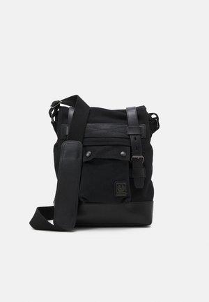 MALCOLM - Across body bag - black