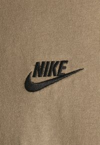 Nike Sportswear - TEE PREMIUM ESSENTIAL - Basic T-shirt - sandalwood - 2