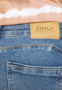 ONLY - ONLDAISY LIFE PUSH UP - Jeans Skinny Fit - medium blue denim - 3