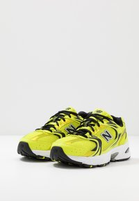 New Balance - MR530 - Sneakersy niskie - yellow - 3