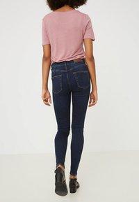 Vero Moda - Jeans Skinny Fit - dark blue denim - 1