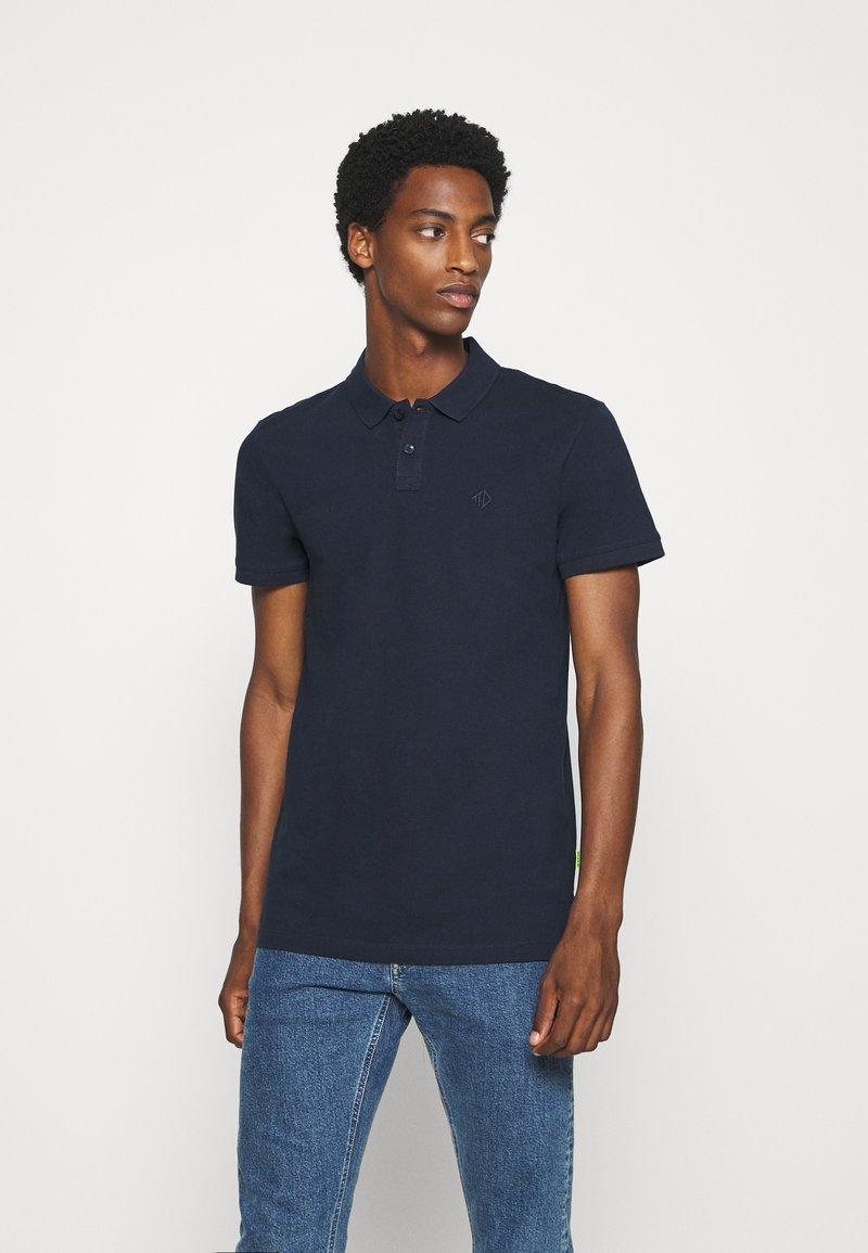 TOM TAILOR DENIM - WITH SMALL EMBROIDERY - Polo shirt - sky captain blue