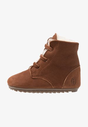 BABY-PROOF SMART - Baby shoes - cognac