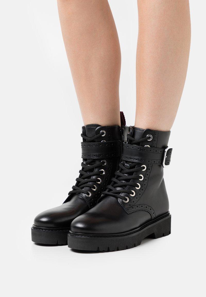 Claudie Pierlot - ANNABELLE - Platform ankle boots - noir