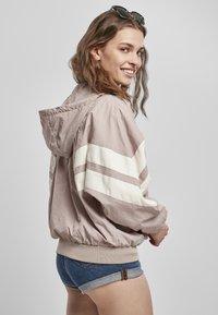Urban Classics - CRINKLE BATWING  - Outdoor jacket - duskrose/whitesand - 3