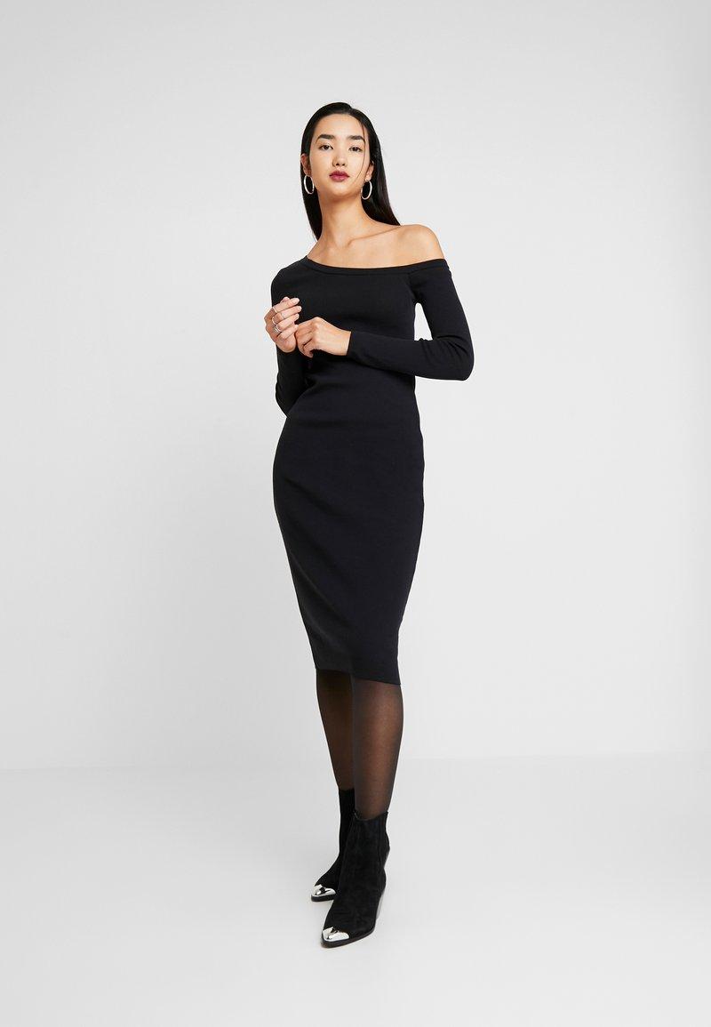 Zign - Fodralklänning - black