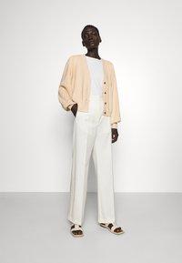 Bruuns Bazaar - ANEMONE MIRE CARDIGAN - Cardigan - pale sand - 1