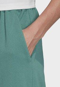 adidas Originals - PREMIUM JOGGERS - Joggebukse - turquoise - 2