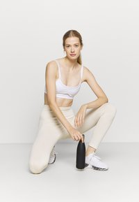 NU-IN - HIGH WAIST SEAMLESS LEGGINGS - Leggings - beige - 1