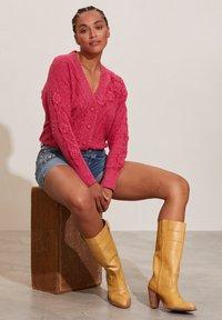 Odd Molly - JESSICA - Cardigan - pink - 4