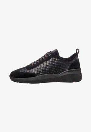 MIT FLECHT-OPTIK - Sneakers laag - black