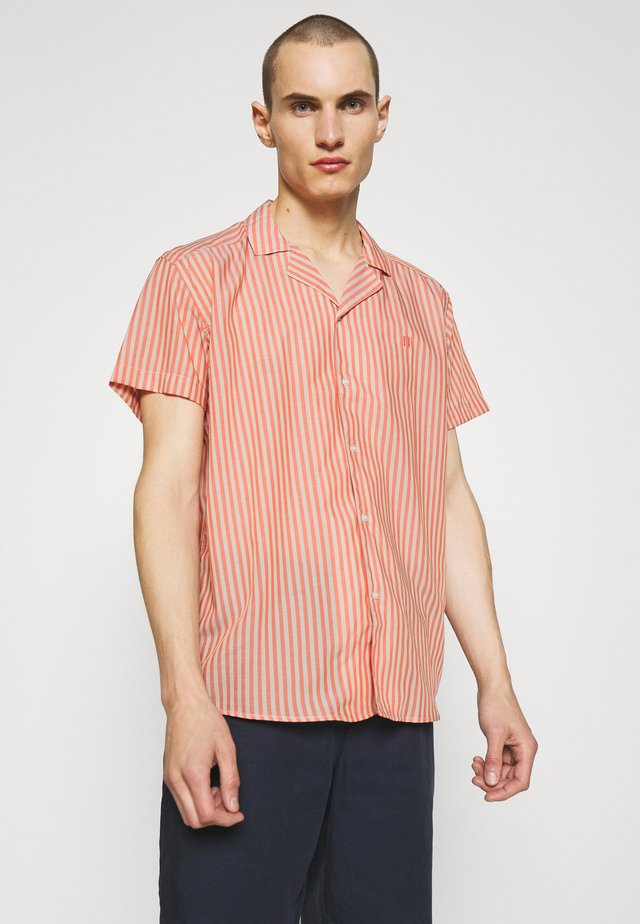LUCCA COOL MAX SHIRT - Chemise - fiesta red/dark sand