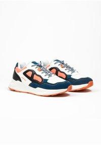 ASFVLT - CONCRETE - SNEAKER LOW - Sneakers basse - wht/aq/blk - 2