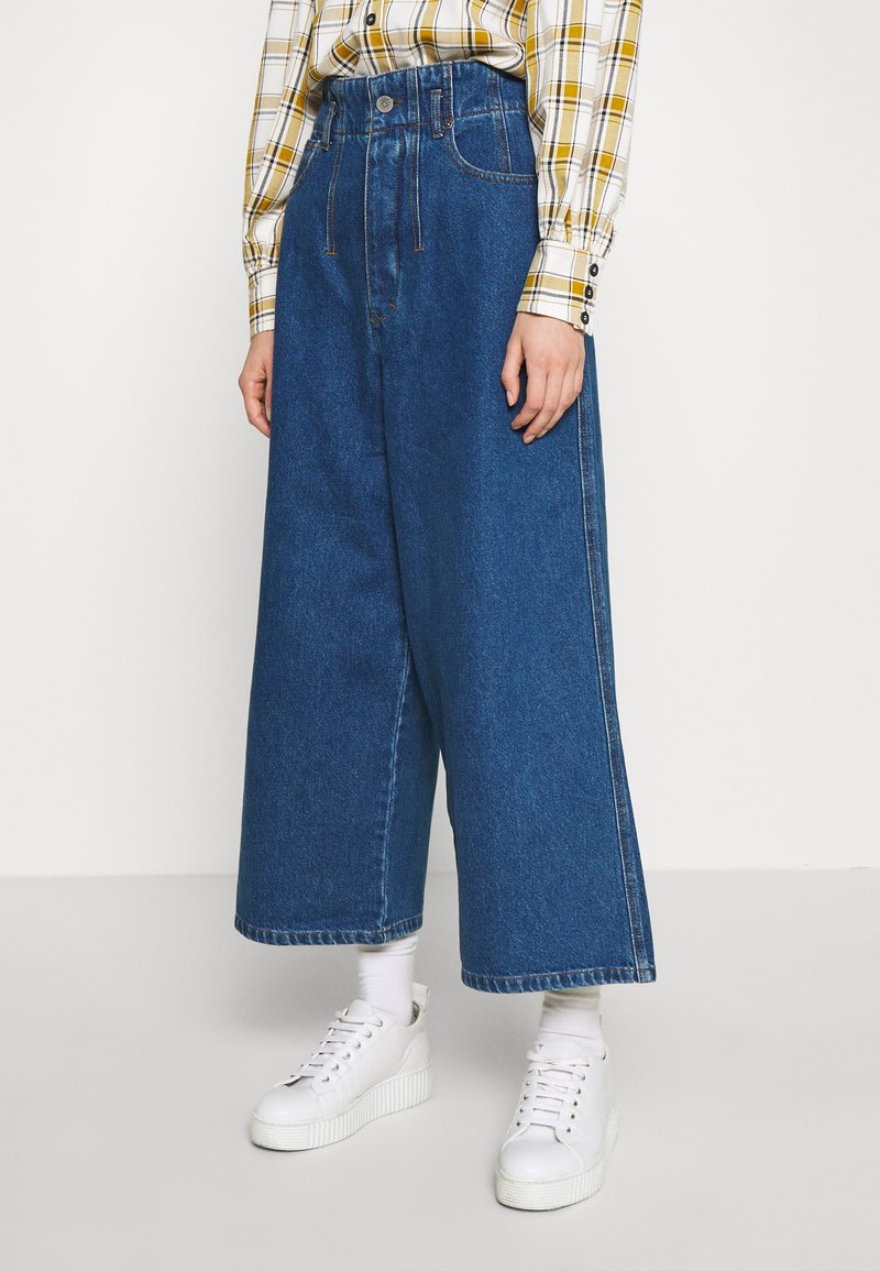 Gestuz - DEAGZ GAUCHO  - Relaxed fit jeans - denim blue
