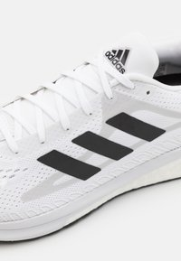 adidas Performance - SOLAR GLIDE 3 - Zapatillas de running neutras - footwear white/core black/dash grey - 5