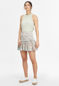 O'Neill - Pleated skirt - white with green - 1