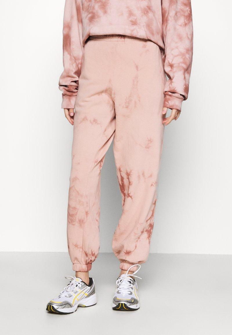 Topshop - TIE DYE JOGGER - Tracksuit bottoms - pink