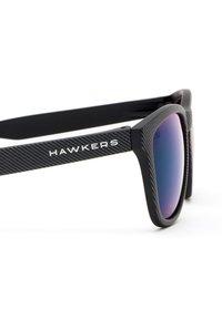 Hawkers - ONE - Sunglasses - black - 4