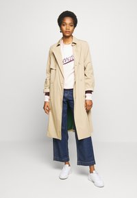 Lacoste - Trench - viennese - 1