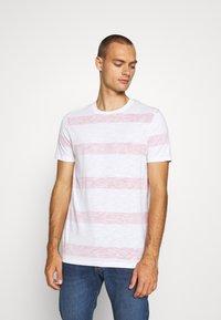 Jack & Jones - JCOPANTHER TEE CREW NECK - Print T-shirt - rio red - 0