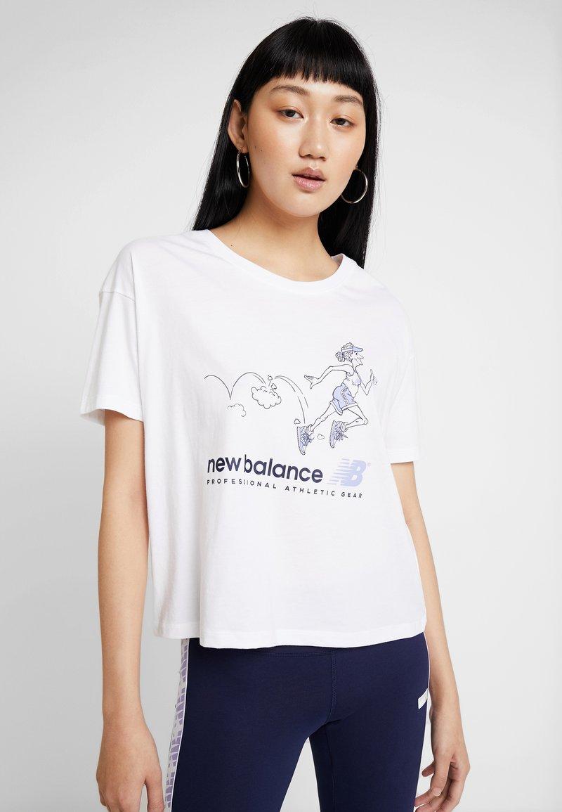 New Balance - ATHLETICS ARCHIVE THROWBACK - T-shirt med print - white