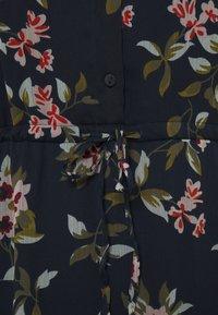 Vero Moda Petite - VMKAY ANKLE SHIRT DRESS PETITE - Długa sukienka - navy blazer - 2