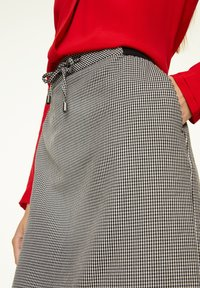 comma casual identity - MIT HAHNENTRITT-MUSTER - A-line skirt - cream houndstooth - 3