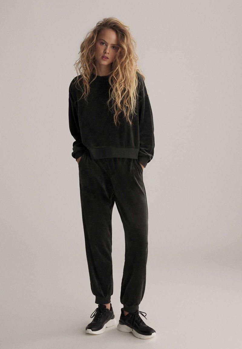 OYSHO - Sweatshirt - black