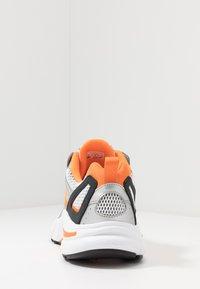 Reebok Classic - RBK PREMIER - Sneakersy niskie - white/matte silver/high vis orange - 3