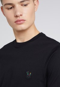 PS Paul Smith - SLIM FIT - Basic T-shirt - black - 4