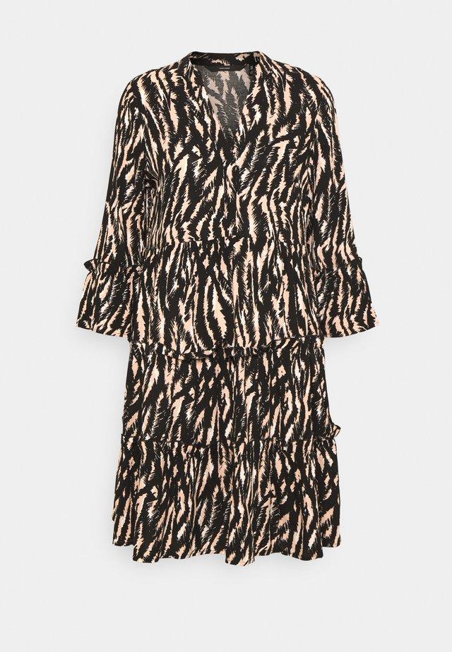 VMSIMPLY EASY 3/4 SHORT DRESS - Korte jurk - rose dust/maggie