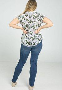Paprika - Print T-shirt - lilac - 2