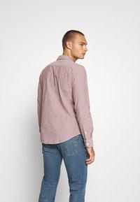 Levi's® - BATTERY SLIM - Shirt - light red - 2