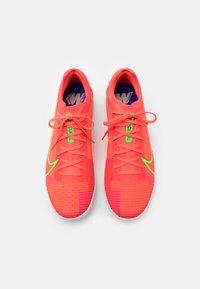 Nike Performance - MERCURIAL ZOOM VAPOR 14 PRO IC - Indoor football boots - bright crimson/metallic silver - 3