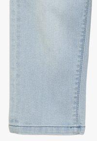 Esprit - PANTS - Short en jean - bleached denim - 2