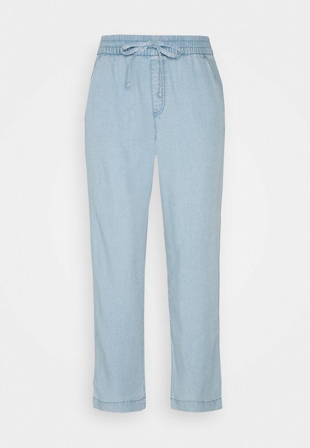 EASY PANT - Trousers - light indigo