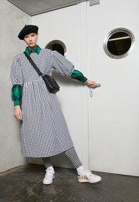 adidas Originals - STAN SMITH  - Zapatillas - footwear white/green/chalk white - 0