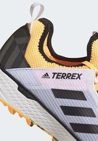 adidas Performance - TERREX SPEED LD TRAIL RUNNING SHOES - Obuwie do biegania Szlak - gold - 9