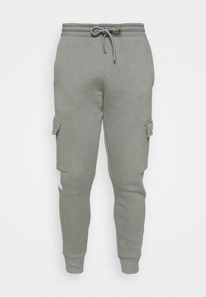 FARNELL JOGGER - Pantalon de survêtement - sharkskin/sky blue/optic white