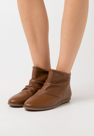 Classic ankle boots - atenea tabaco