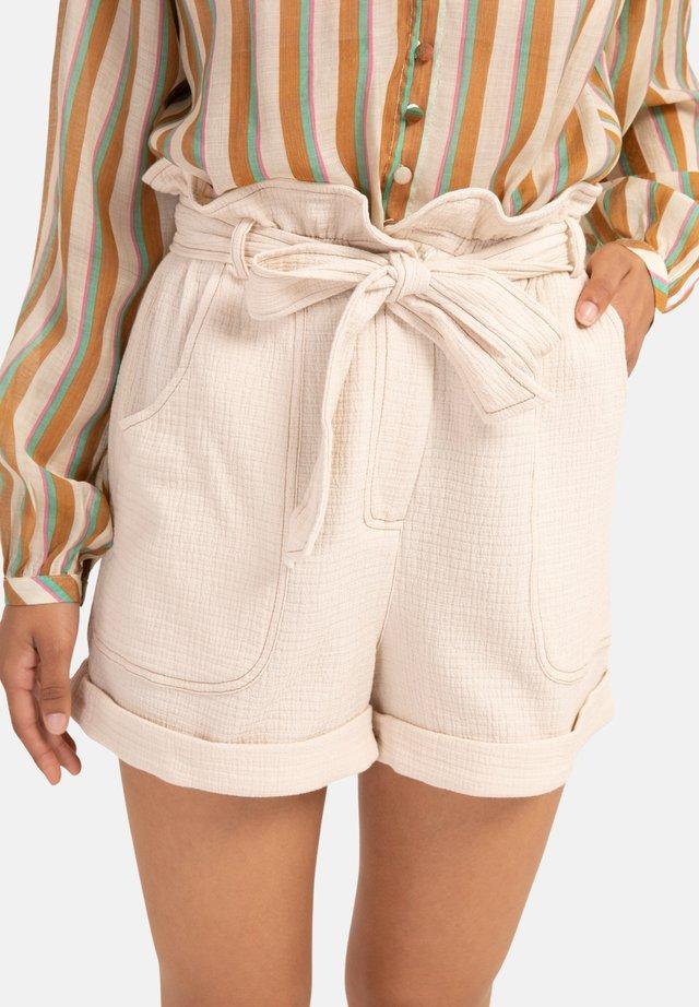 DANKA - Shorts - off white