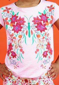 Du Pareil au Même - Print T-shirt - parma violet - 1