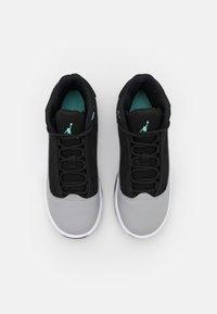 Jordan - MAX AURA 2 UNISEX - Basketball shoes - black/tropical twist/light smoke grey/white - 3